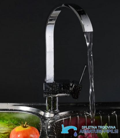 Kuhinjska armatura s stilom slapa - Pipa EYN 0888