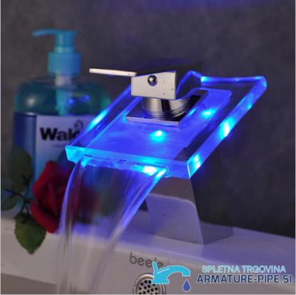 LED kopalniška armatura - slap pipa za kopalnico EYN cq0812 - modra