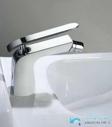 Bela kopalniška armatura za umivalnik in bidet EYN BEL4120 in EYN BID4120